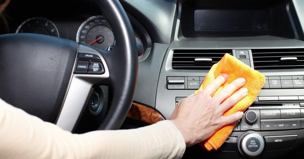 Merawat Interior dan Kaca Mobil