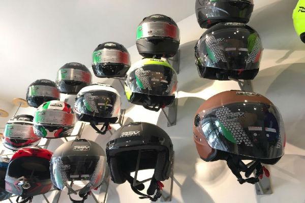 Tips Memilih Helm Motor